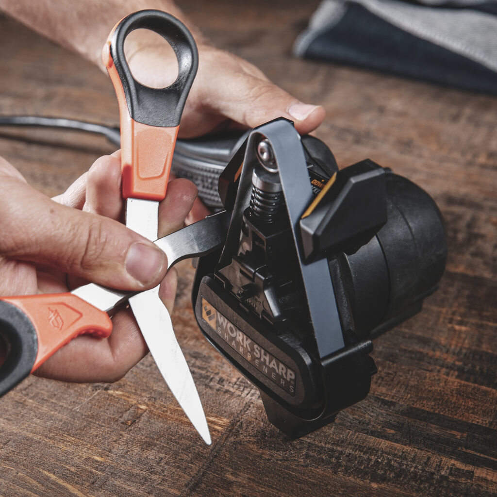 KTS2-Use-Scissors-1